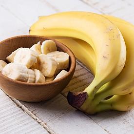БАНАН Тези плодове съдържат естествен бромелаин, отговорен за подобряване на репродуктивната функция. Балансът на витамин B и калий поддържа здрава хормонална система и повишава сексуалното влечение.