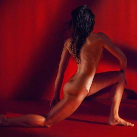 Как красотата на голото спортно тяло е най-добрият начин за благотворителност