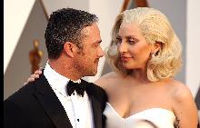 Лайди Гага и Тейлър Кини