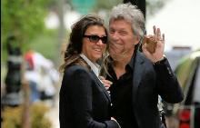 Джон Бон Джоуви и съпругата му Доротея се радват на 27-годишен брак
