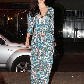 #8. Женствено деколте  Много от роклите й са с голямо деколте, което все пак не е вулгарно и не преминава границата на представата ни за елегантност.