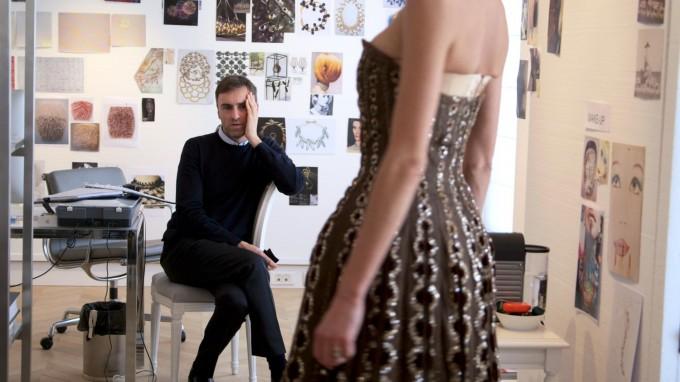 """""""Диор и аз"""" - какво изповядва Раф Симънс в документалния филм?"""