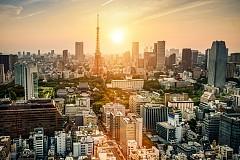 1. ТОКИО, ЯПОНИЯ  /  Най-безопасният град в света е Токио. Там никой не се страхува да се разхожда сам по улиците в полунощ – почти всички райони в града се наблюдават с камери денонощно. Токио е известен и като най-скъпия град в света, но спокойствието се заплаща скъпо.