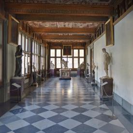 Google пусна онлайн екскурзия из 50 музея