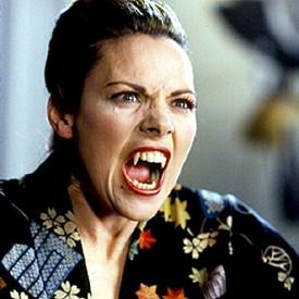 """В роялта на Улрике в """"Реквием за вампири"""", 1998 г."""