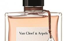 """Rose Rouge на VAN CLEEF & ARPELS отдава почит на розата, която """"разцъфва"""" сред шипрови нотки."""
