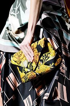 30 цветни чантички от модния подиум за пролет-лято 2018