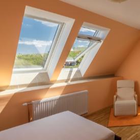 Слънцето създава уютна атмосфера в дома