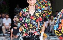 Spring 2019 Menswear: Versace