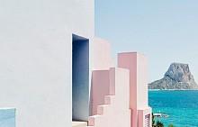 Розовата вила La Muralla Roja в Испания