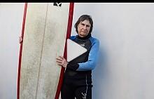 Гуин Хаслок за карането на сърф на 70