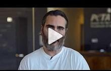 Видеообръщение на Хоакин Финикс и PETA