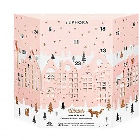 Коледен календар на SEPHORA с красиви изненади, като почистващи кърпички, маски за лице, сенки за очи, моливи, очна линия, глосове, червила, лак за нокти, пила и др.
