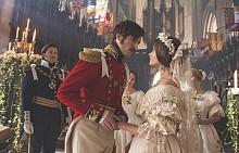 Джена Коулман и Том Хюз като кралица Виктория и принц Албърт