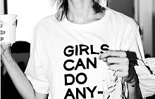 #GirlPower и #GirlsCanDoIt на тренди тениски