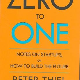 """""""ОТ НУЛА ДО ЕДНО"""" НА ПИТЪР ТИЙЛ е като бомба – доколкото взривява установени представи и насочва към нетрадиционно мислене в най-широкия смисъл на думата. Тази книга може да се чете по много начини: като наръчник за предприемачи без голям начален капитал, но с идеи и амбиции; като помагало за студенти по икономика, готови да излязат извън коловоза на стандартните формули за успех; като разширяващо кръгозора четиво за всички, които се вълнуват от политическите и икономическите кризи в световен мащаб, но не виждат изхода от тях. Може би подзаглавието на книгата – """"Размисли върху стартъпите или Как да изградим бъдещето"""", ще подразни езиковите пуристи. Но вместо да търсим заместител на """"стартъп"""",  да видим какво влага в думата самият Питър Тийл.   изд. Книгомания"""