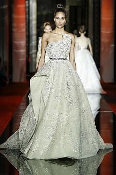 Най-красивите сватбени рокли от Spring Couture Week